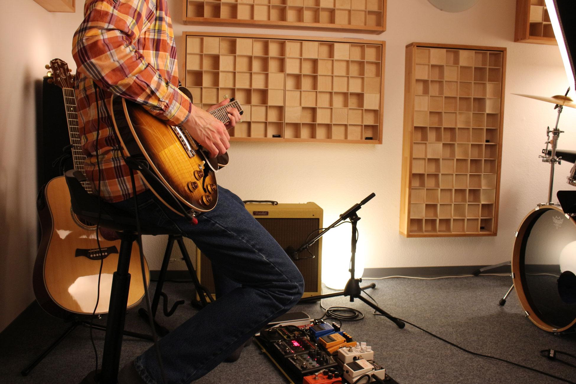 Tonstudio33 Gitarrenaufnahme im Studio - recording guitar